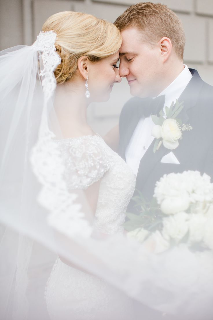 If you missed Part I of Brian & Lisa's wedding at the York Harbor Reading Room in York, Maine, make sure to click here. Now onto all the details! And don't forget to check out their slide show at the end of this post:)!