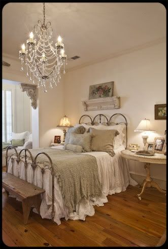 best 25 vintage bedding ideas on pinterest shabby chic beds bedding master bedroom and gray. Black Bedroom Furniture Sets. Home Design Ideas