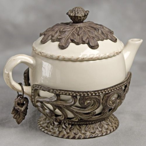 32 oz. Tea Pot-Cream - GG Collection $95.95