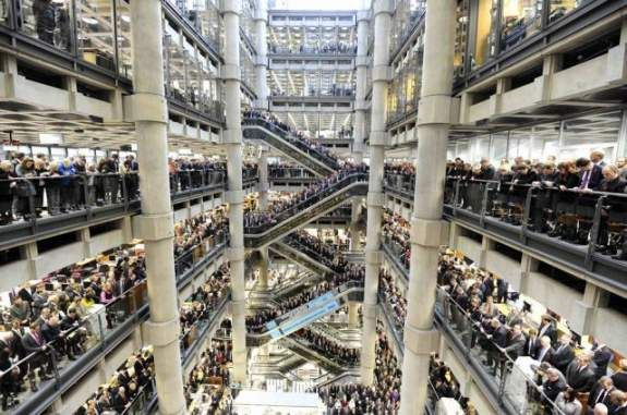 wittyPictures Collection, Funny Pictures, London Staffer, Architecture, London Thursday, Crowd, Todaysfun, Lloyd London, Lloyd Buildings