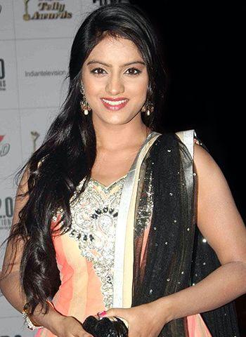 Deepika singh on pramoting