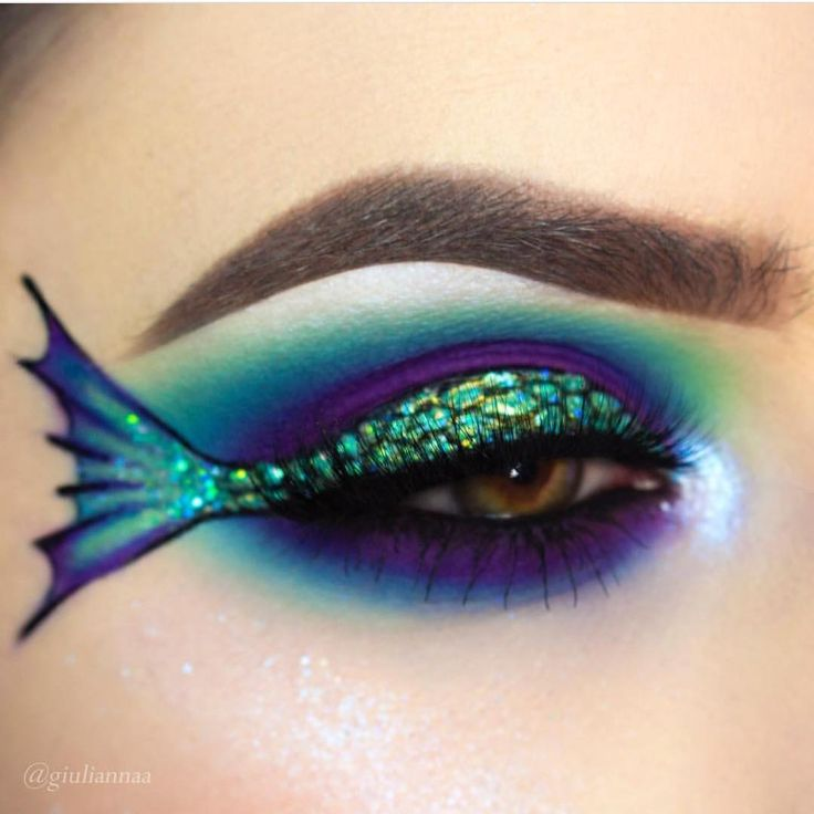 Get into this gorgeous mermaid tail by @giuliannaa! She used #sugarpill Mochi, Poison Plum and Ice Angel eyeshadows