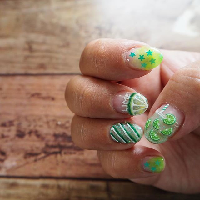 サマーネイル➳♡゛ モヒートにしたらよかった(*ˊᵕˋ*)੭ ੈ #ジュースネイル#Lime#ライム#ネイル#ネイルデザイン#ショートネイル#セルフネイル#フットネイル#カラフル#個性派ネイル#お家ネイル#美爪#popcornnail #夏#夏ネイル#Summer#nail#nails#colorful#💅#おしゃれさんと繋がりたい ね#ネイル好きな人と繋がりたい