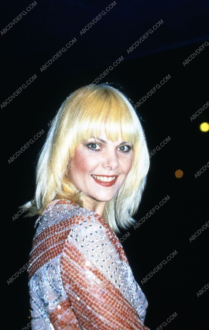 great candid Ann Jillian arriving at some event 35m-5350