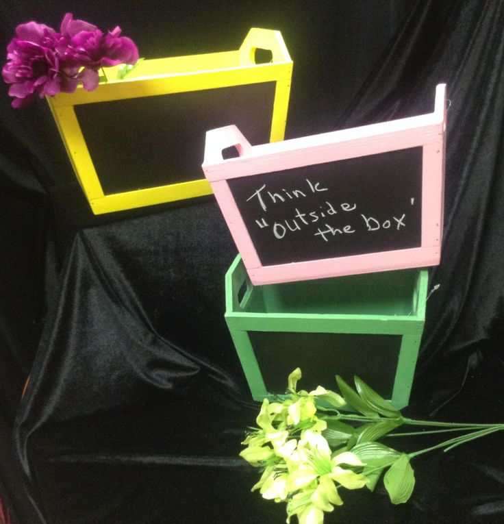 Flower boxes with chalk board fronts! A great way for the kids to send a very profound message to mom on Mother's Day. We have them in a few colors and sizes. Why not create together? Come see...