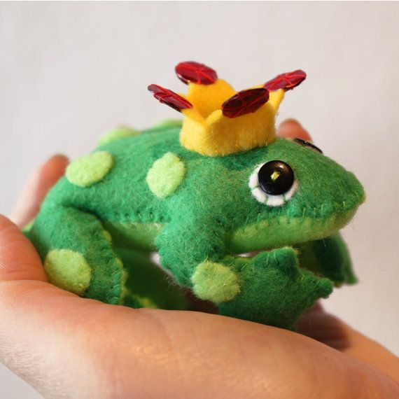Felt Frog prince.