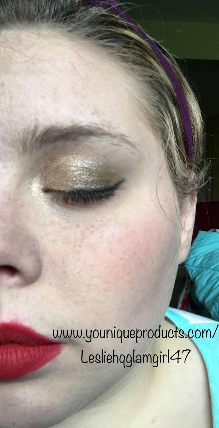 Finished off palette week with Palette 1! We went gold gold gold! Helped along with Perfect eyeliner, 3d Fiber Lashes+ mascara, our Liquid foundation and BB Flawless, and Stubborn Splash liquid Lipstick. My skills are improving every day! #glamgirl47 #notamakeupartist #younique #youniquemakeup #ysisterforlife #askmeaboutmylashes #igetmyfiberfrommymascara #igetmyfiberfrommylashes #palette1younique #perfecteyelineryounique #splashliquidlipstick