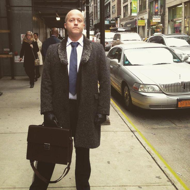 TBT once upon a time in NYC  #ilist #ilistambassador #foundet #tbt #nyc #suite #swag #america #travel #international #business #startup #startuplife #startuplifestyle #entrepreneurlife #entrepreneurlifestyle #entrepreneur #entreprenör #tech #swedentech #uppsalatech #bigapple #Manhattan #limitless #tie #briefcase #usa