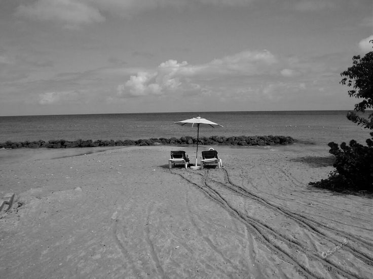 Day 6 of my #blackandwhitechallenge   This was taken back in 2003 on a little halina 35m plastic camera (damn right I'm proud how well it turned out - it's as good in colour too). My Mum won and all inclusive holiday to #Barbados and took me with her #happydays. She'd never even won a raffle before   #almondbeach #caribbean #caribbeansea #deckchair #holiday #lucky #sarahbradbury #tropical #sand #beach #isolation #funtimes #blackandwhitephoto #thiscouldbeapostcard