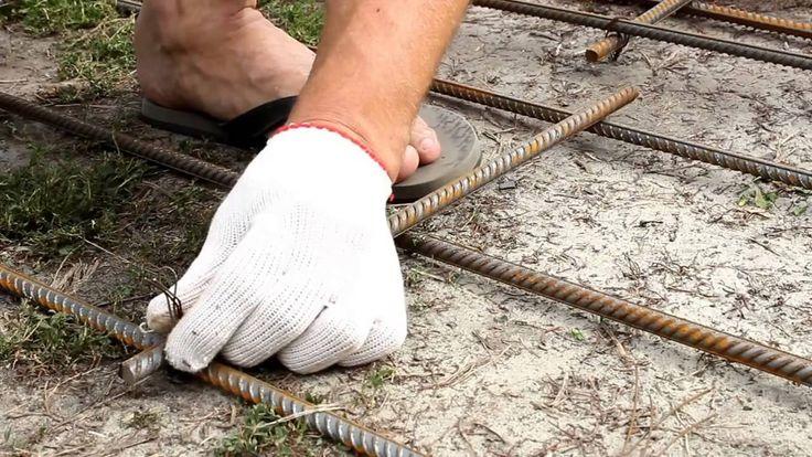Чтобы сохранить форму фундамента при бетонировании делают сетку из арматуры, и она должна быть прочной, и сделана из качественных материалов. И, по словам профессионалов при варке можно нарушить кристаллы железа, а потому делать этого не советуют. Не зависимо от того какое строение будет возводиться – легкое и компактное или громадное и массивное сетку из арматуры […]