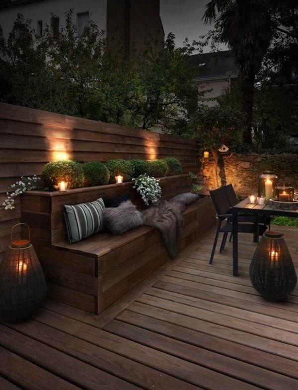 Decorar exteriores con velas.  Velas en patios y jardines. Decoración exterior con velas.