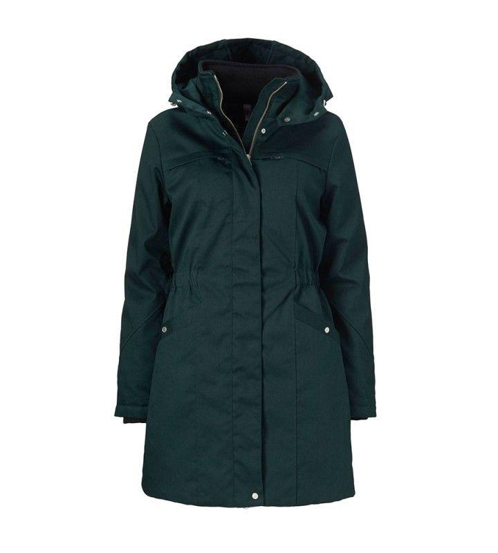 Frida Jas Donkergroen  - Donkergroene winterjas van het merk Modstrom. Deze getaillerde jas heeft een capuchon, twee steekzakken met drukknoopsluiting en twee borstzakjes met ritssluiting. De jas is extra warm door de Thinsulate Insulation.