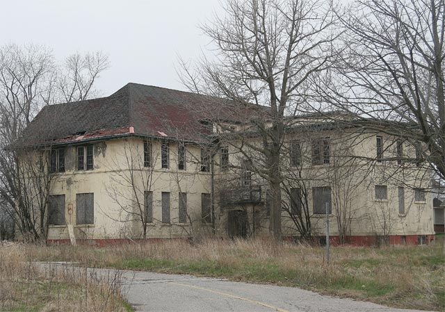 Haunted hospitals | psychiatric hospital building 8 may 07 2005 abandoned mental hospital ...