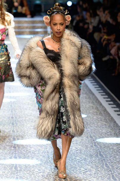 Family Affairs ::Marjorie Harvey, Jason Harvey, and Amanda Harvey Walk in Dolce & Gabbana's Fall 2017 Show – 8020Fashions Blog