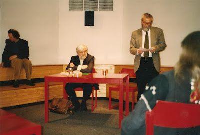Petre Stoica, remember necesar: Viena, citind la Alte Schmiede, 29 aprilie 1992  M...