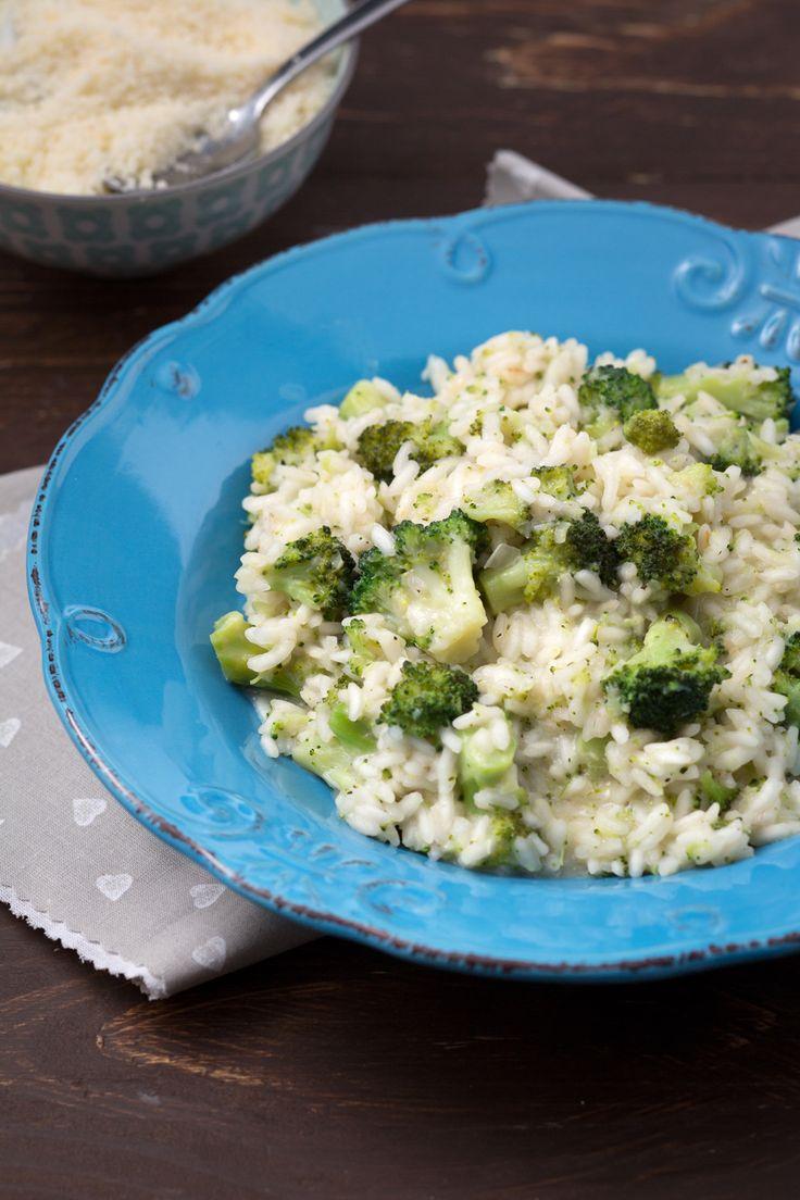 Risotto con i broccoli: semplice e saporito. Conquisterà tutti, anche i più scettici. [Risotto with broccolo]