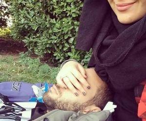 Muslim couple.         ~Amatullah♥ http://greatislamicquotes.com/muhammad-ali-quotes/
