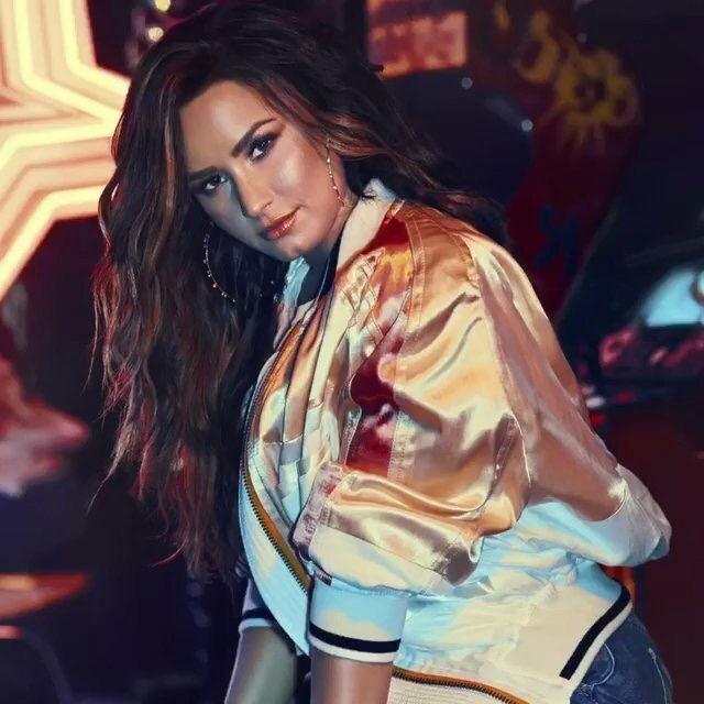 Demi Lovato Sorry Not Sorry music video still