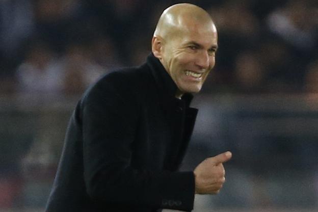 Le Real Madrid, qui a égalé samedi contre Grenade (5-0) la plus longue série d'invincibilité du football espagnol, «n'a aucune limite» et peut «faire de belles choses» cette saison, estime son entraîneur Zinédine Zidane..