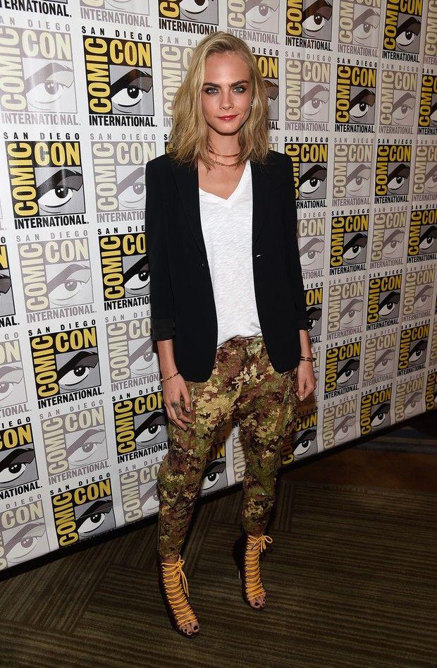 Modelo britânica apareceu com os cabelos mais curtos e mais loiros nesta quinta-feira, 20, durante a feira Comic-Con, na Califórnia.