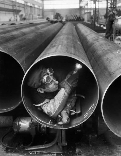 Willy Ronis Usine Lorraine Escaut, 1959 #lifescenes, #bestofpinterest, https://facebook.com/apps/application.php?id=106186096099420