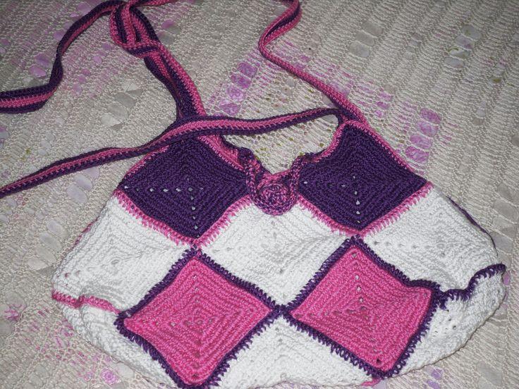 Borsa a mattonelle di vario colore utilizzando filo di scozia