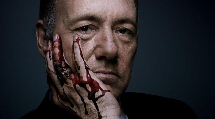 Frank Underwood: er kleeft bloed aan de handen van deze baas uit House of Cards. Maar hoe realistisch is de serie? Klik en find out.