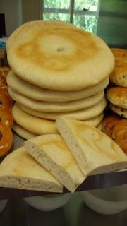 A regional favourite from the North East of England, the stottie cake or stotty, is the perfect canvas for sandwich fillers (hot or cold) or mopping up a hearty stew.