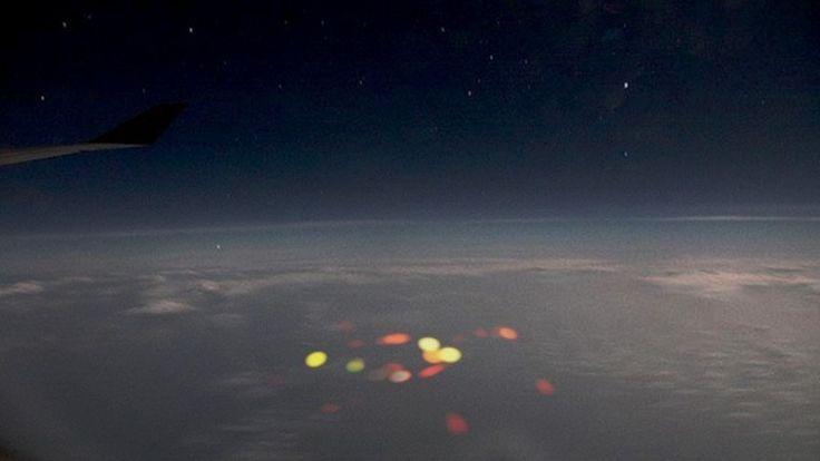 """Pilotos ven un """"aterrador"""" destello de colores sobre el océano Pacífico - http://notimundo.com.mx/mundo/pilotos-ven-un-aterrador-destello-de-colores-sobre-el-oceano-pacifico/13009"""