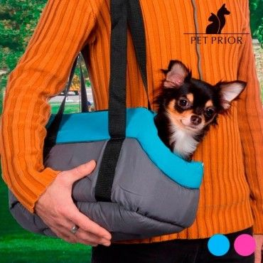 If you like your pet to accompany you wherever you go, you need the fabric pet carrier. It's ideal for puppies and kittens or small dogs and cats and you 'll enjoy their company at home as well as out and about...