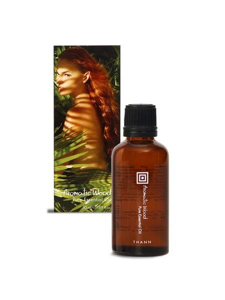 100% pure essential oil with no artificial fragrance or color. Once inhale throught the nose, the essential oils stimulates the olfactory organs which are linked to the areas of the brain that control emotions. Orange and Nutmeg oil increase energy and joy. Ingredients: Citrus Tangerine Oil, Ornage Oil and Nutmeg Oil. Size: 50 ml / 1.69 fl.oz.
