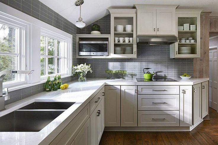 décoration de cuisine blanche et crédence grise