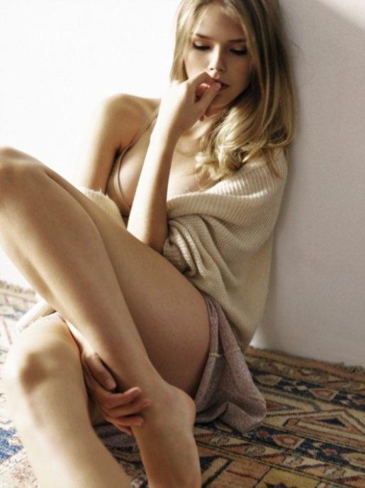 Posing Sexy Blonde Teen Model 108