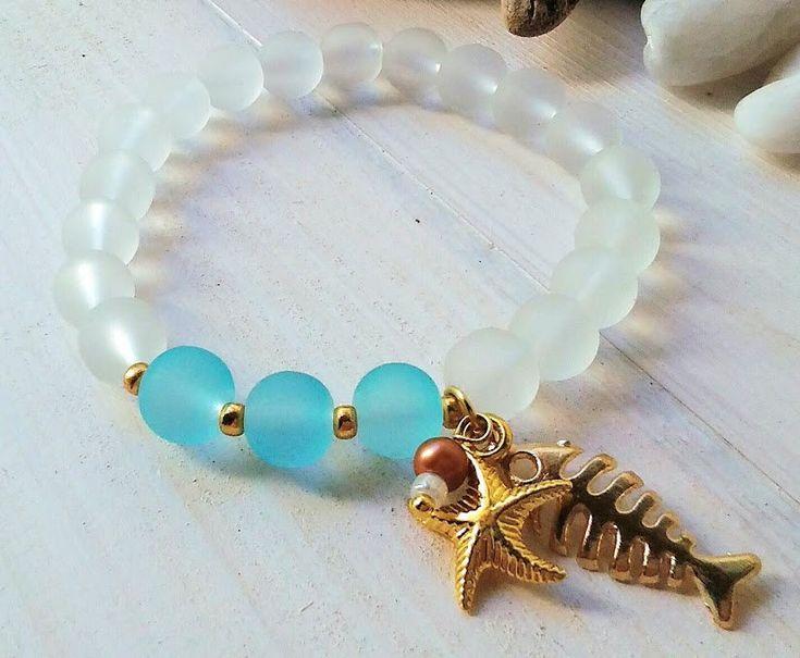 Beach bracelet/Christmas woman gift/Gold charm bracelet/Seaglass bracelet/Gift for Her/Woman jewellery/Blue White bracelet/Beauty gift/Hers