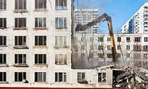 Building in Moscow being bulldozed