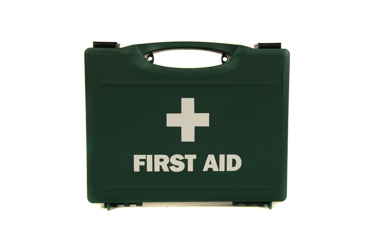 Foil Blanket kit - Emergency evacuation kit, supplied in large green first aid box containing 50 emergency foil blankets. Perfect for all business evacuations such a hotels, swimming pools, leisure centres and commercial offices buildings. Visit our website for more Information