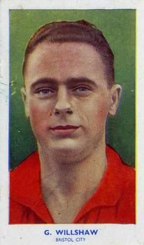 1939 R & J Hill Famous Footballers Series 1 #10 George Willshaw Front