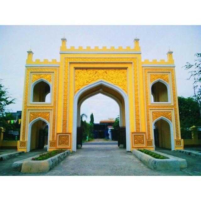 regram @hasrolfuady Gapura Mesjid cot keutapang, bireun #vsco #vscocam #vscogood #vscoaceh #ig_aceh #mosque #wisataaceh #insta_aceh