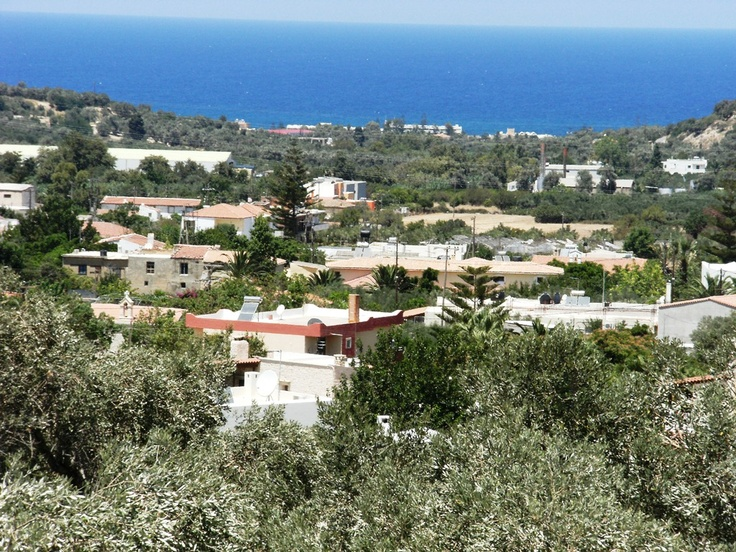 Villa STEFANOS, 2 bedrooms, 2 bahtrooms, private pool. Enjoy the panoramic views over the cretan countryside and sea.