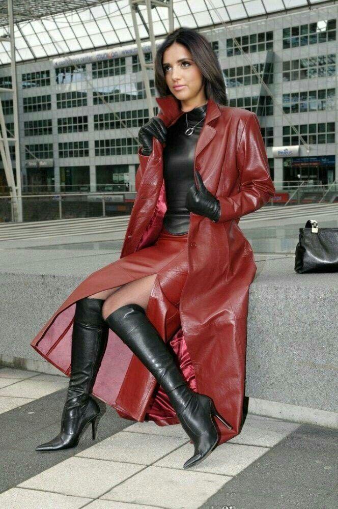 Rubber Rainwear Latex Valentina