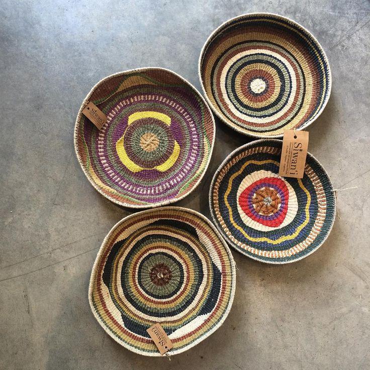 Bellas cestas de fibra de Chaguar hecho por las artesanas de La Asociación de mujeres Wichi , SIWANI de Argentina. #deco #decoration #handmade #chaguar #labazart