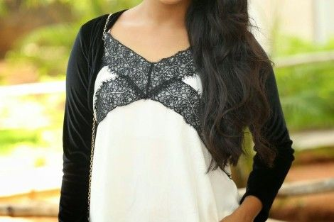 Ulka Gupta pc wallpapers - Ulka Gupta Rare and Unseen Images, Pictures, Photos & Hot HD Wallpapers