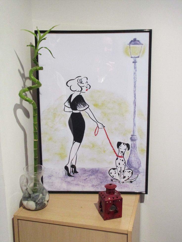 Sortir le chien. Illustration à l'encre de chine et pastels  Illustration, déco, minimaliste, encre, pastel, femme, chien,