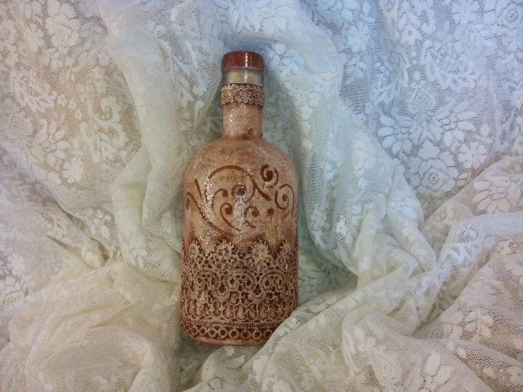 Μπουκάλι με δαντέλα και στένσιλ! Bottle with lace and stencil!