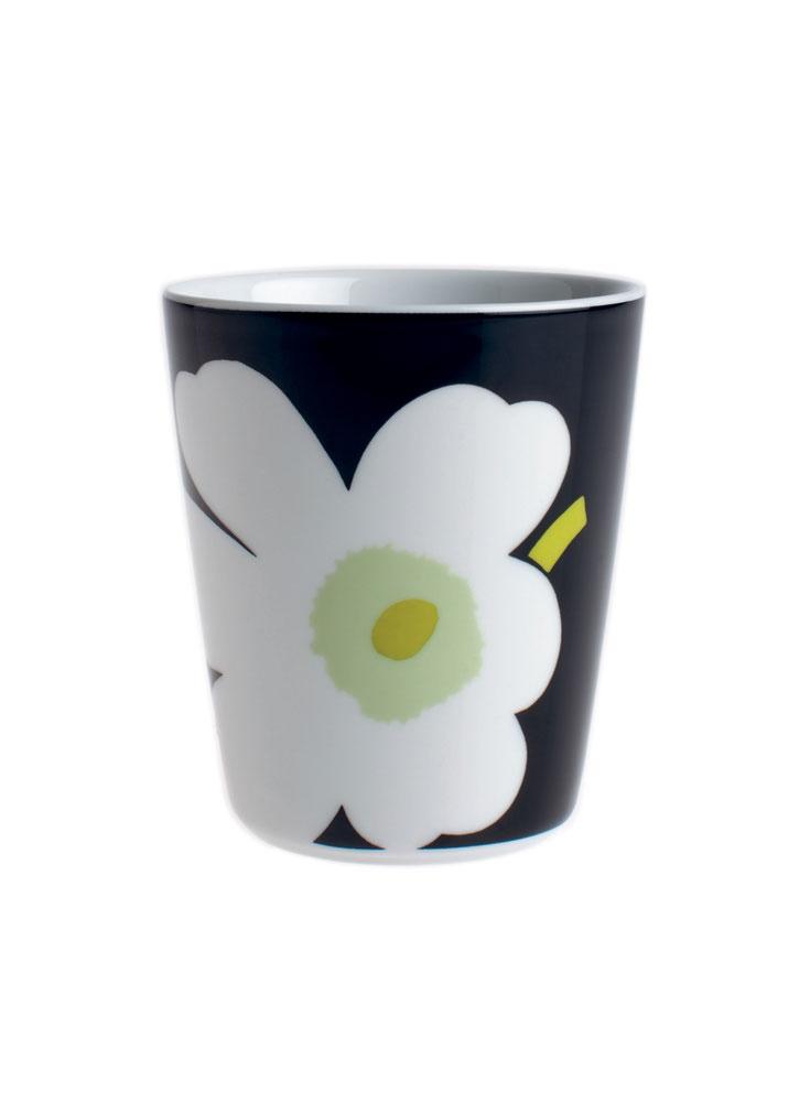 Unikko mug - I am such a sucker for porcelain mugs!