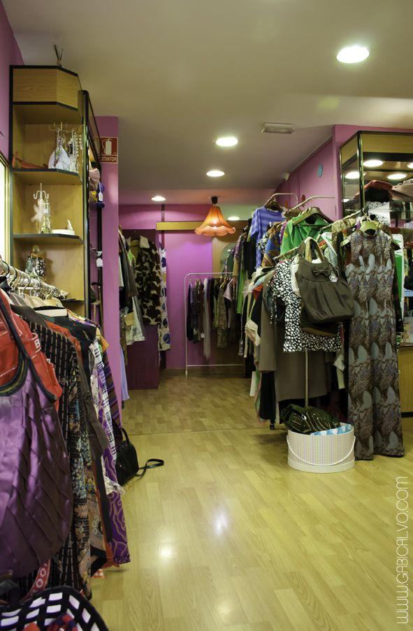 El concepto de tienda de segunda mano es bastante común en la gran mayoría de los países de la vieja Europa. En muchos de ellos, el consumo de ropa vintage y de segunda mano es algo estandarizado. En ciudades tan cosmopolitas como Munich, Londres, Bruselas, París o Estocolmo resulta fácil caminar por la calle y …