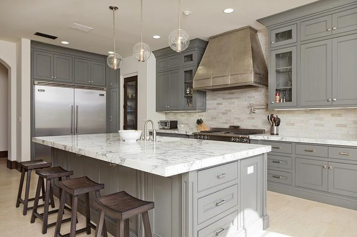 Stunning l shaped kitchen with gray ceiling height for Ceiling height kitchen cabinets