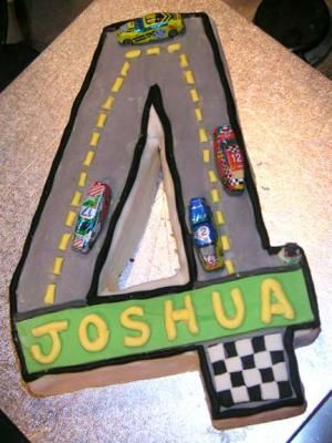 Google Image Result for http://www.kids-partycabin.com/images/4racetrack-cake-6787.jpg