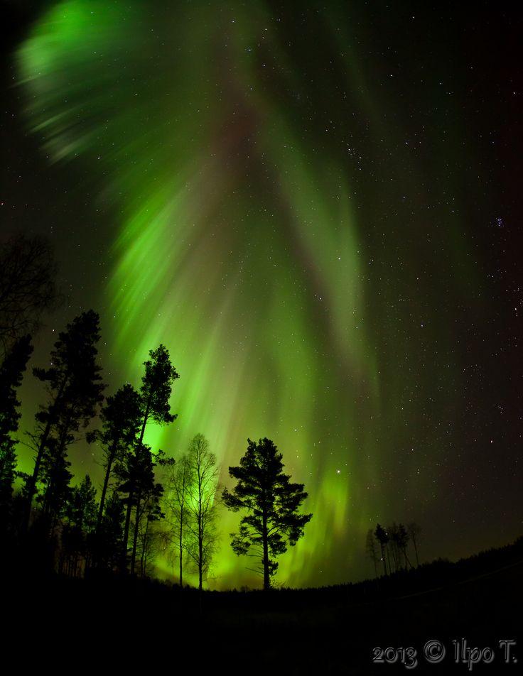 Stunningly beautiful aurora October 30, 2013 near Haapajärvi, Finland