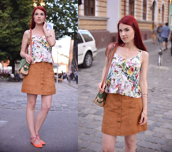 Get this look: http://lb.nu/look/8267215  More looks by Anaivilo B: http://lb.nu/anaivilo  Items in this look:  Stradivarius Silk Top, H&M Suede Skirt, Zara Suede Flats   #casual #street #summer #looks #zara #chic #floral #urban